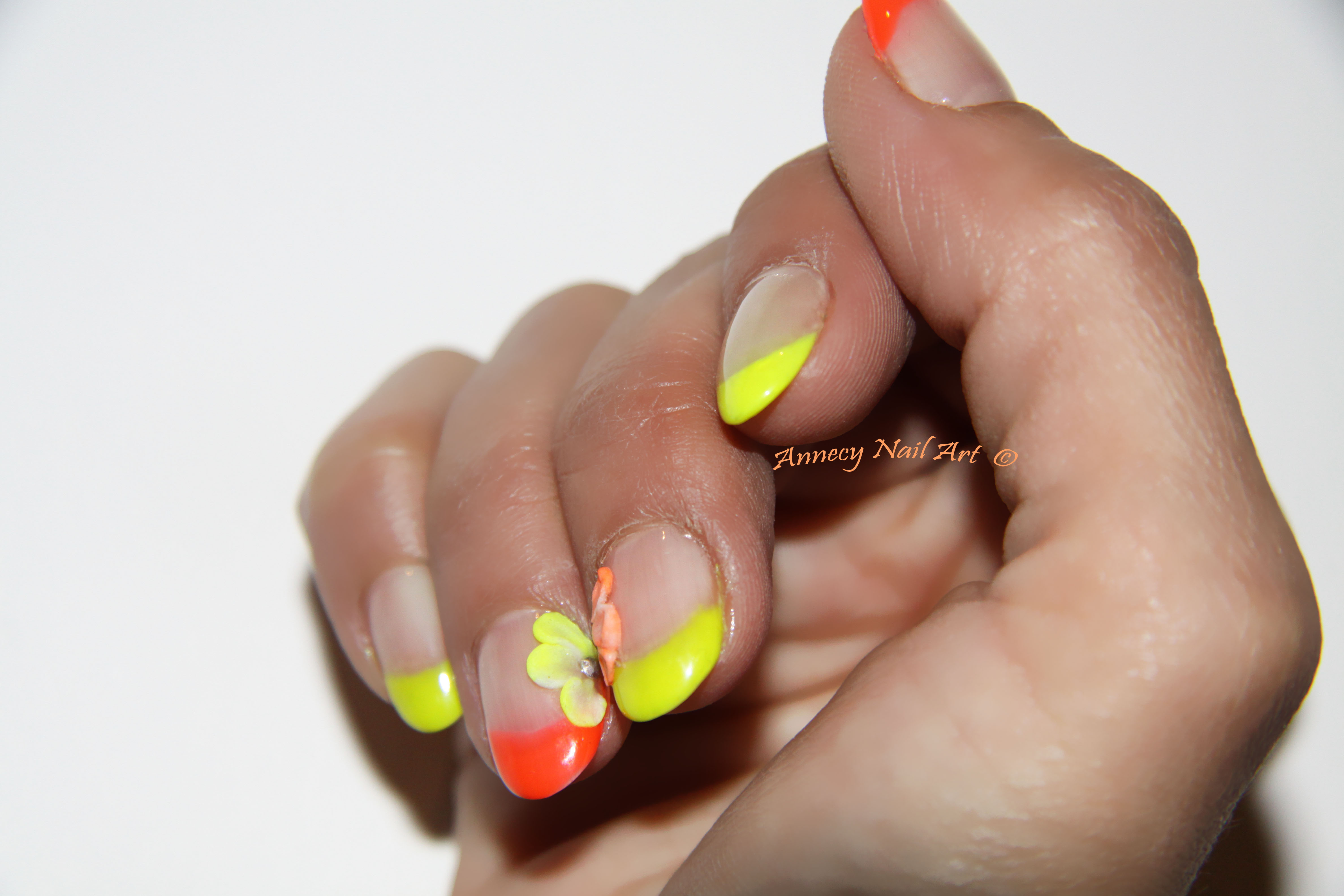Ongles jaunes fluo - Ongle rose fluo ...